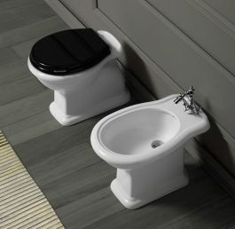 Milano Thornton 630mm Traditional Vanity Unit And Back To Wall Toilet Set